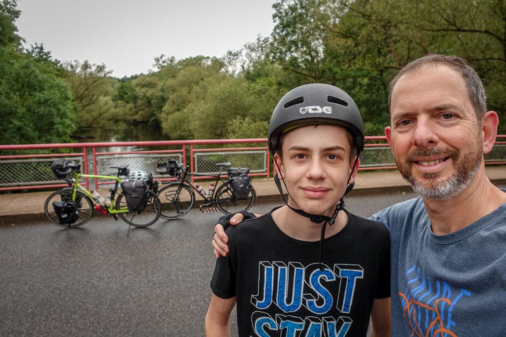 Julian mit dem Radreiseglück auf der Tour zum Rurstausee